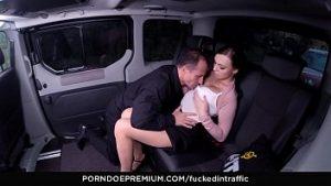 Une diva porno fait le tour du monde et fait l'amour avec des gentlemen doués