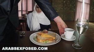 Araboaica traité avec de la nourriture et un fumeur de qualité