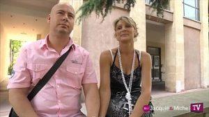 Un couple de perversions supplient leur fils de participer à des relations sexuelles dans trois