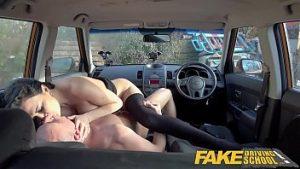 Faux instructeurs de conduite sont bons bite et sont ivre dans la voiture