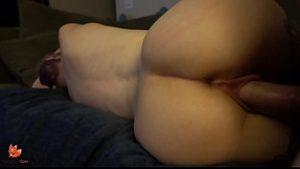 C'est sympa de mettre la bite dans le vagin serré et crémeux