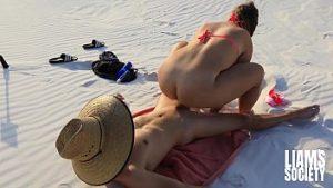 Les Premiers Acteurs Porno Qui Acceptent Une Scène De Sexe Dans Le Désert Du Sahara