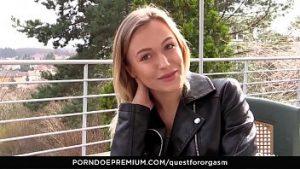 Moldave Fille Blonde Célibataire Pour La Masturbation Avec L'orgasme