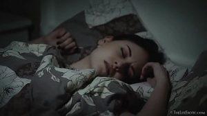 Alina Rêve De La Bite Et Se Réveille Avec Fofoloanca Humide