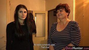 Bordel Va Au Sexe De Grand-mère Avec Des Jouets Sexuels