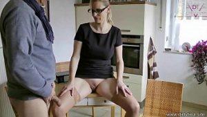 Femme Mature Avec Une Grosse Chatte Fait Du Sexe Habillé Avec De L'agneau Amateur