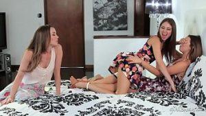 Sœurs Riley Reid Et Melisa Moore Sont Contestés Avec Des Orgasmes Multiples