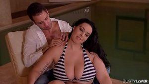 Massage Et Piscine Sexe Avec Anastasia De Luxe