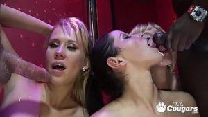 Orgie Et Groupe Baise Dans Un Club De Strip-tease à Bucarest