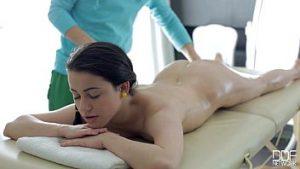 Le Bon Et Relaxant Massage Excite Le Gabriel Qui Veut La Bite