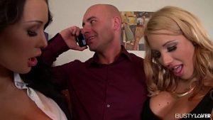 Aventure Sexuelle Avec Deux Femmes Dévorant Dick Et Sloboz