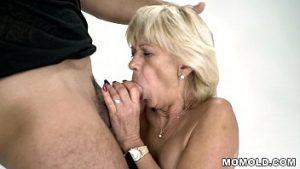 Diane, Une Femme En Sueur Qui Pénètre Dans L'œuf
