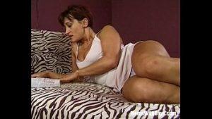 Une Femme De 50 Ans Avec Une Grosse Chatte Veut Une Bite Dans Le Cul