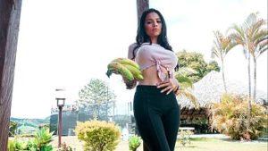 Mila Garcia Latina Sexy Fait Pipe Et Sexe Sur Argent
