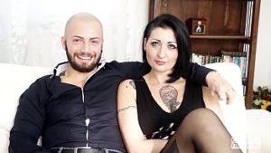 Un roumain produit en Italie a été baisé lors du casting XXX