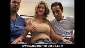 Porno avec balayage qui fait une double pénétration anale et normale