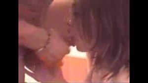 Film avec des amateurs roumains qui parlent roumain et ont des relations sexuelles