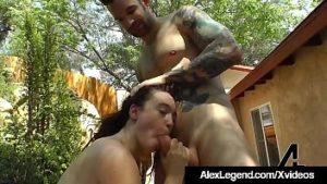 Baise dans les montagnes avec son petit ami bite Alex 30 cm