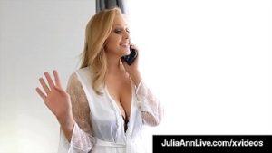 Sexe avec sa grand-mère mûre Julia Ann