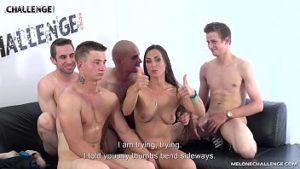 Porno avec My Melone et les jeunes qui apprennent à avoir des relations sexuelles
