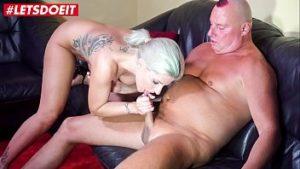 Porno incestueux avec son beau-père à la veille du nouvel an