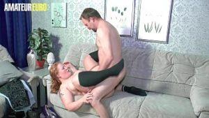 La graisse mature pénétré sur webcam